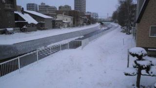 11455499 s 320x180 - 苫小牧の町並みとかを見に吹雪の日に行ってきた