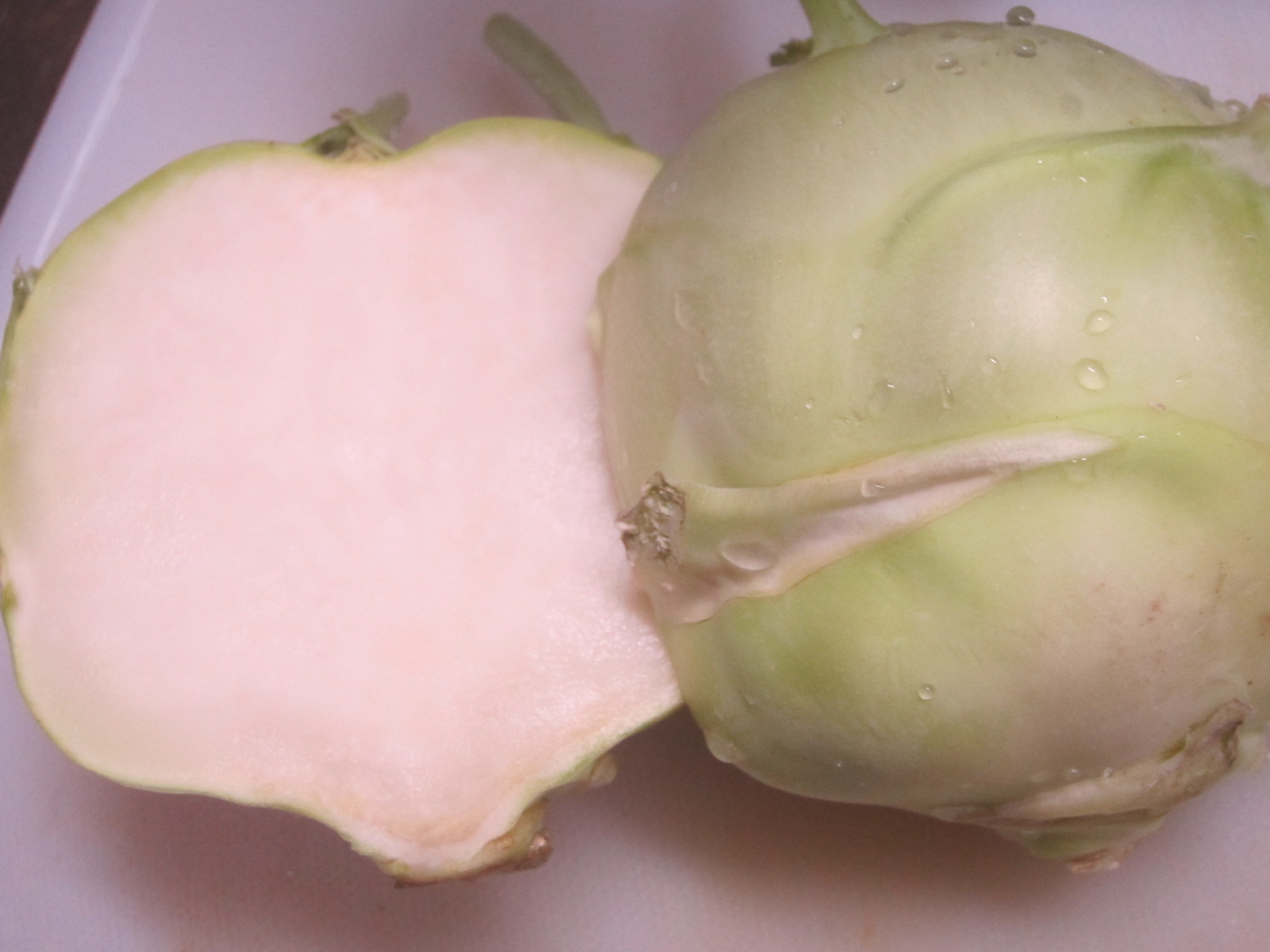 IMG 0016 - コールラビという野菜に初挑戦してみました