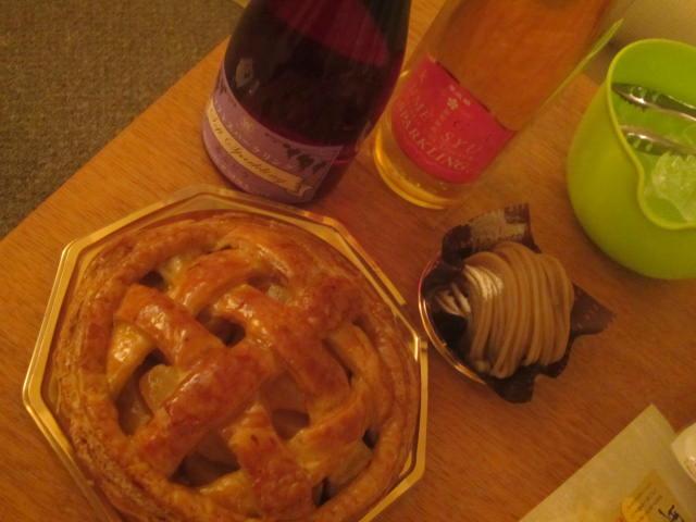 IMG 0018 - シャトレーゼ ガトーキングダムでホールケーキな晩御飯