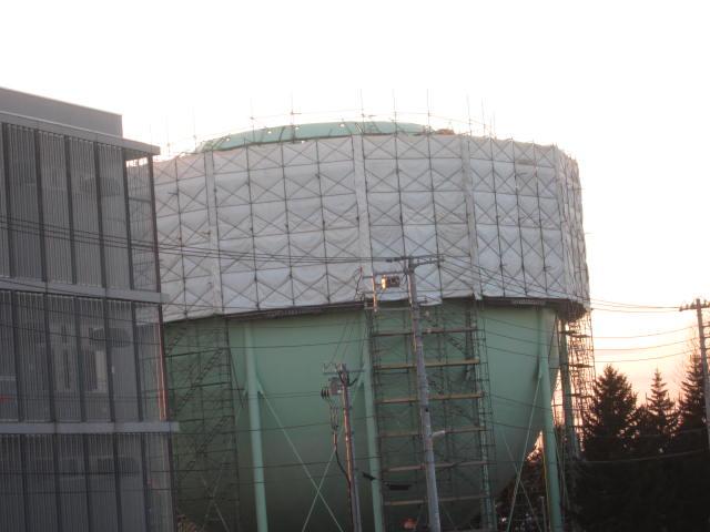 IMG 0057 - ガスタンクの整備作業やってました / 散歩中に見かけた風景