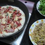 IMG 0076 150x150 - フライパンのピザと豆もやしの炒め物に葉サラダ