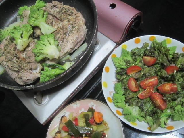 IMG 0031 - 骨付きな鶏モモ肉とロマネスコの蒸し焼き