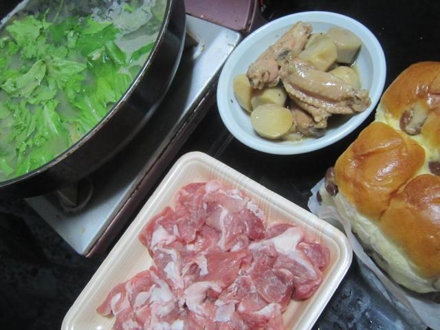 IMG 0134 - 北海道にしか無いらしい豆パンを主食にした豚しゃぶ