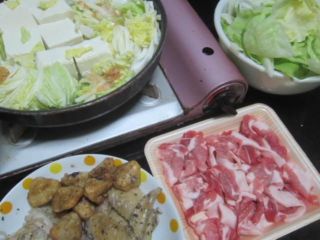 IMG 0027 1 - 手羽とかポンジリとかと一緒に味噌鍋で豚しゃぶ