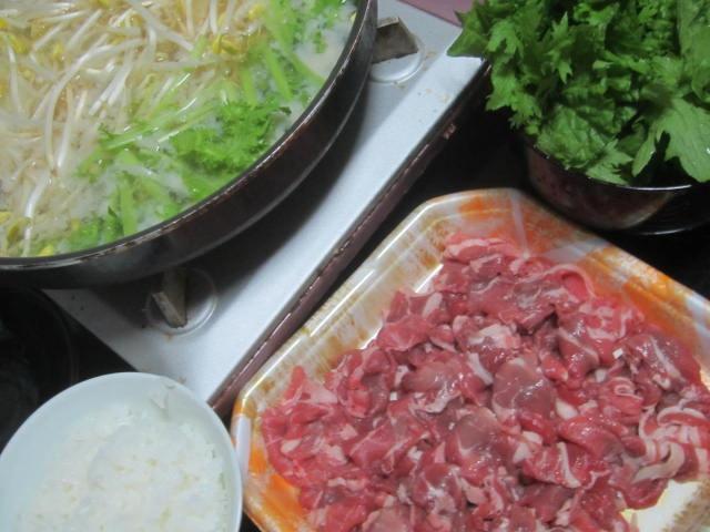 IMG 0051 - 豆もやしとわさび菜主体の味噌ベースな鍋でラムしゃぶ