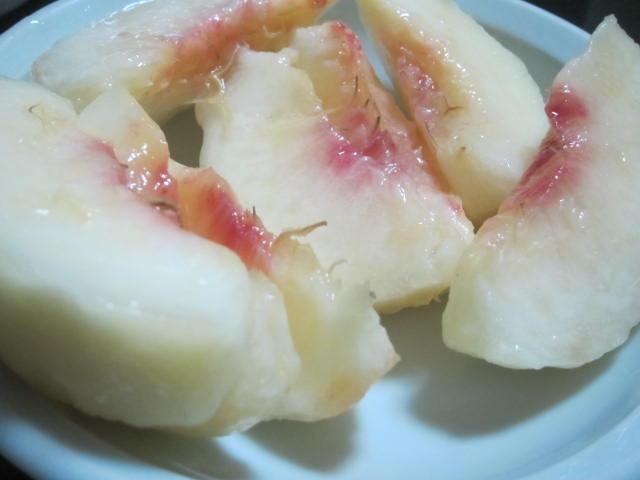 IMG 0033 - 小樽の桃の次は仁木の桃を頂いてみました