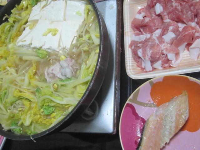 IMG 0060 - 豆腐と白菜ミッシリで隙間ないですけど豚しゃぶしゃぶ