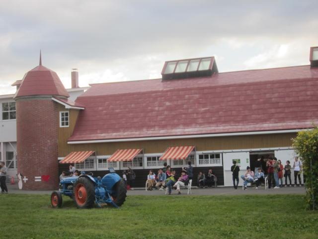 IMG 0230 - 今年も食べに行った八紘学園のソフトクリームですが人多過ぎ