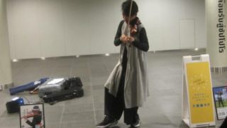 IMG 0013 320x180 - 札幌の地下歩道で斉藤航さんのバイオリン演奏に遭遇