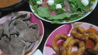 IMG 0031 320x180 - カレーとイカフライとチーズ&生ハムサラダに豚タン