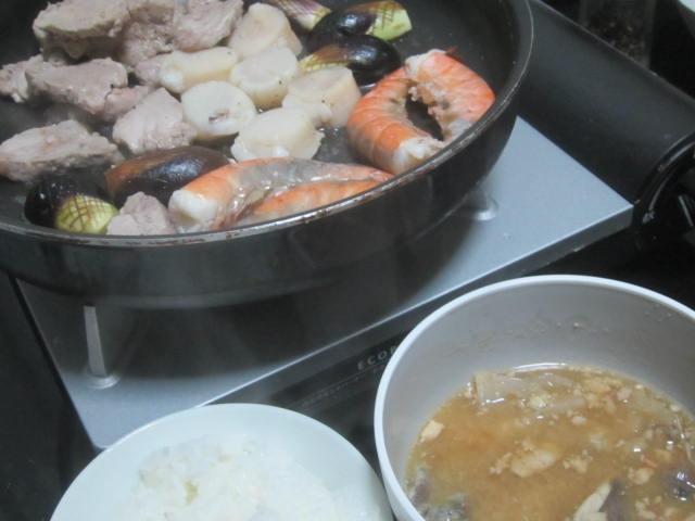 IMG 0036 1 - ホタテとエビとの海鮮焼きに鮟鱇の味噌汁を添えて