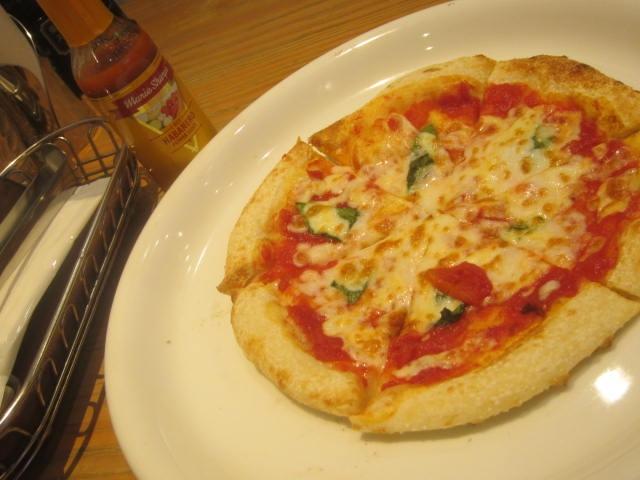 IMG 0061 - ベーコンと茄子のトマトソースにマルゲリータなランチ