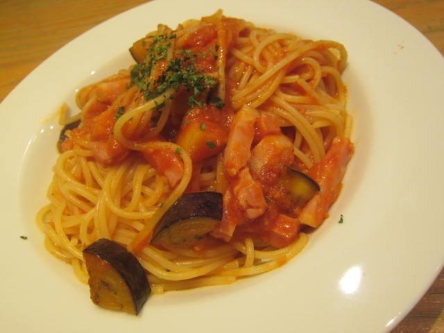 IMG 0062 - ベーコンと茄子のトマトソースにマルゲリータなランチ