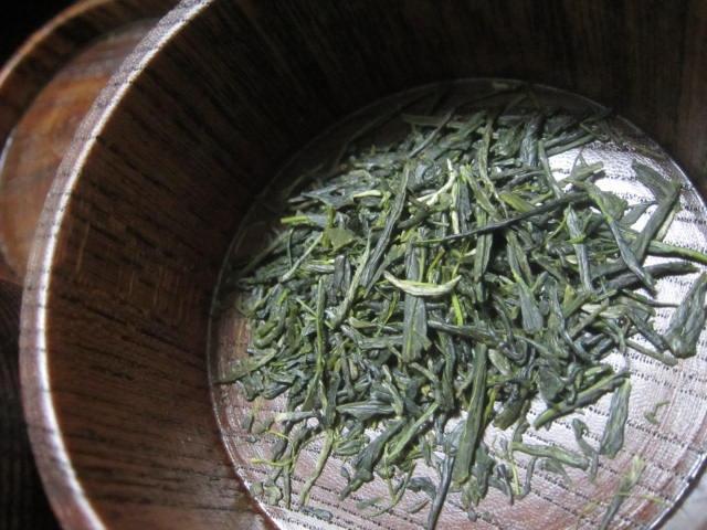IMG 0036 1 - 2019年の新茶が屋久島から届いたので一久大福堂の団子と共に