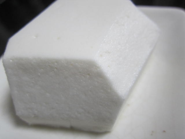 IMG 0041 - 備前屋の銘菓「あわ雪」(純白)ってのがとても不味いので注意です