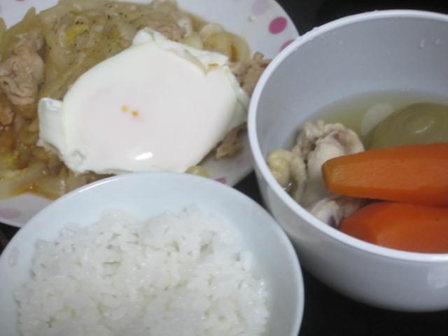 IMG 0044 - 野菜丸ごと放り込んだタマネギ&ニンジンスープ手羽元な鶏肉入り