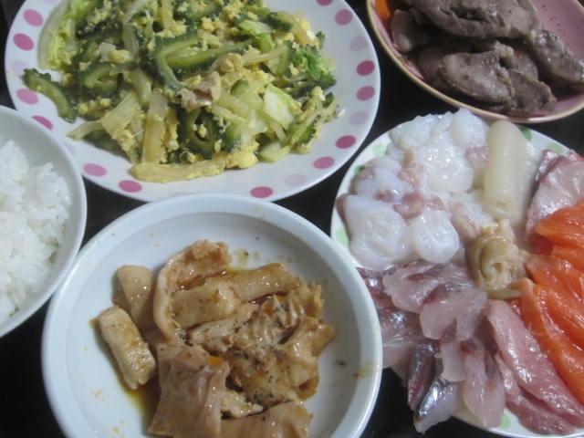 IMG 0045 - お刺身セットとゴーヤの炒め物に豚のモツ焼き晩御飯