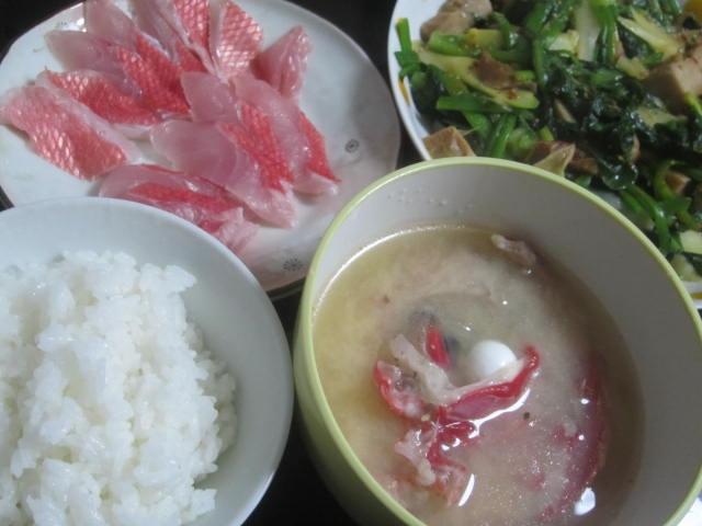 IMG 0058 1 - 金目鯛のお刺身と頭を放り込んだアラ汁にアスパラ炒め