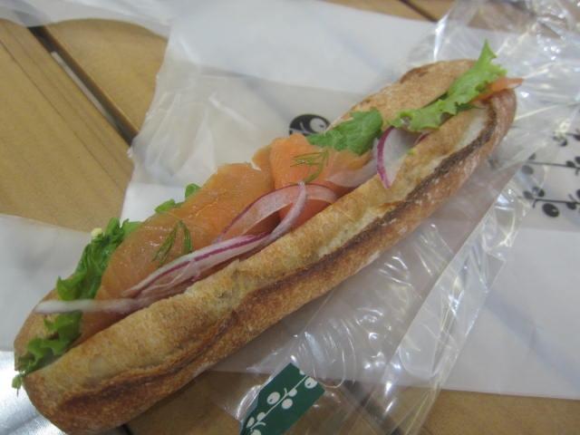 IMG 0059 - 赤レンガのboulangerie coronで北海道産小麦100%使用なパン屋で軽食