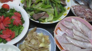 IMG 0132 320x180 - 鶏皮のにんにく塊炒めにブリしゃぶとアジのタタキとシメサバ