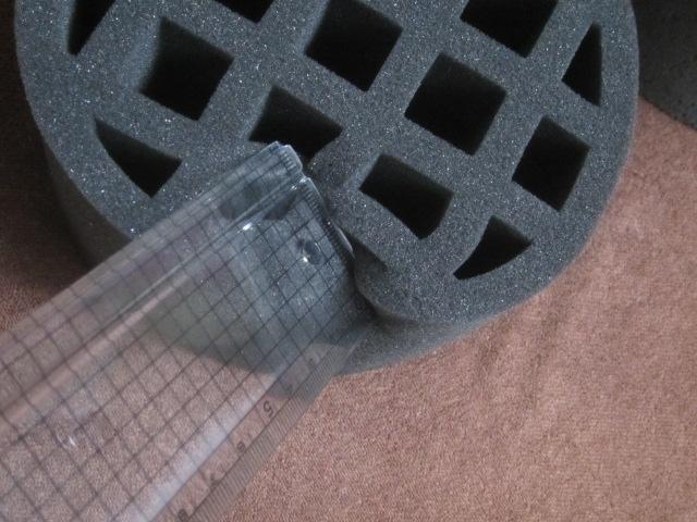 IMG 0051 - 部屋の吸気口(換気口)に設置する空気清浄フィルターと吸音材を設置