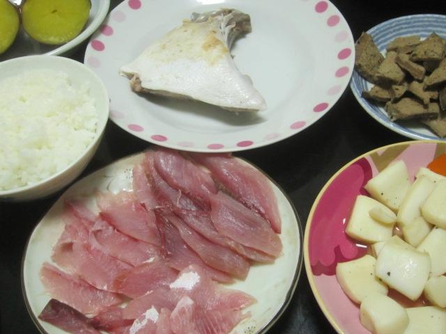 IMG 0001 - ブリカマとブリ刺身とイカ焼きと豚レバー焼き