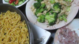 IMG 0032 320x180 - アジのタタキと鶏皮ブロッコリーに二日連続の焼きそばで今日は太麺