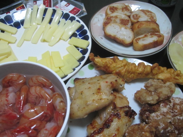 IMG 0092 - ボタン海老と鶏の揚げ物各種にチーズとパンロール