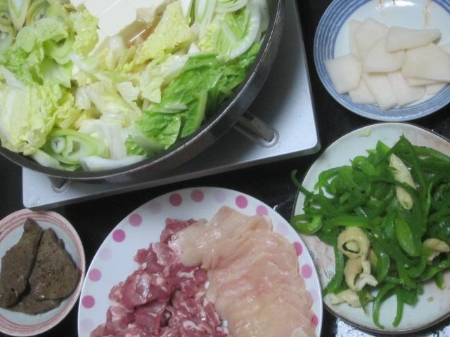 IMG 0020 - 鍋の残りのよくわからない汁物とレタス&鶏肉の炒め物