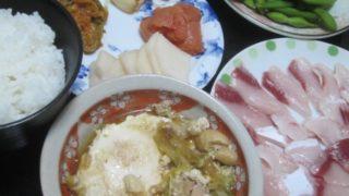 IMG 0025 320x180 - 鍋の残り汁と鶏レタスの炒め物が合体してポーチドエッグが投入されました