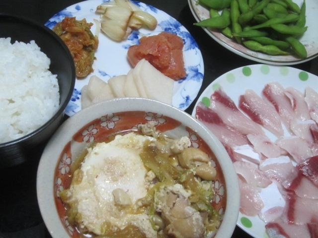 IMG 0025 - 鍋の残り汁と鶏レタスの炒め物が合体してポーチドエッグが投入されました