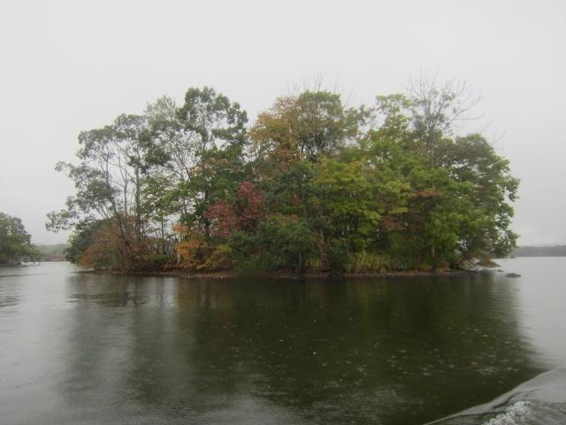 IMG 0047 - 札幌発の函館バスツアー行って来たPart01 雨の中での大沼湖遊覧と散歩