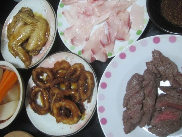 IMG 0026 - 白老牛のモモ肉を焼いてステーキとかしてみました
