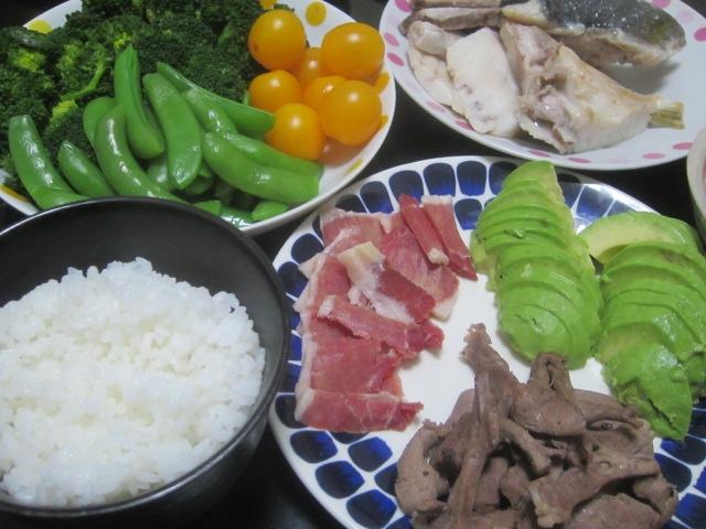 IMG 0039 - カンパチのアラの塩焼きと豚ハツ焼きにアボガドの刺身を山葵醤油で