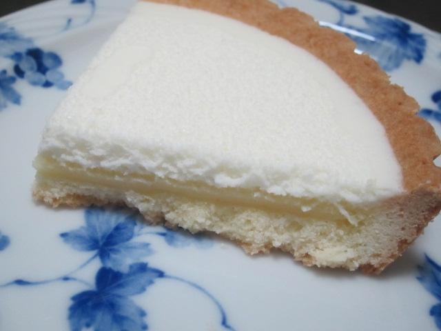IMG 0005 - 2層のクリームチーズタルトで辛い舌を甘さで修復