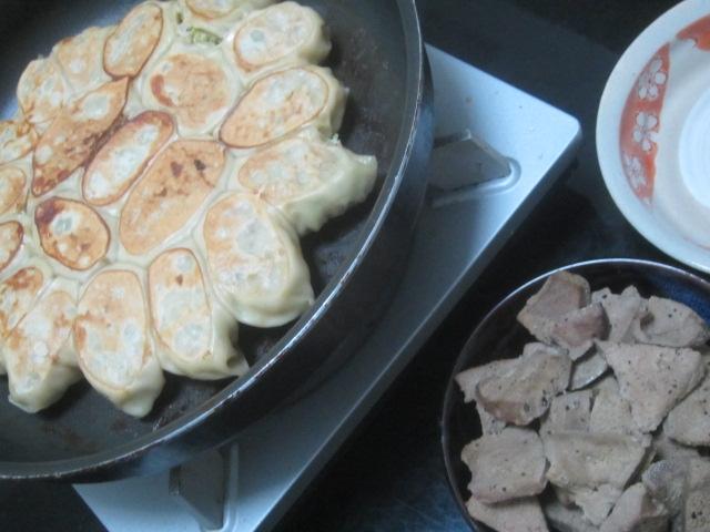 IMG 0012 - 最後の自宅餃子と豊富牛乳プリン