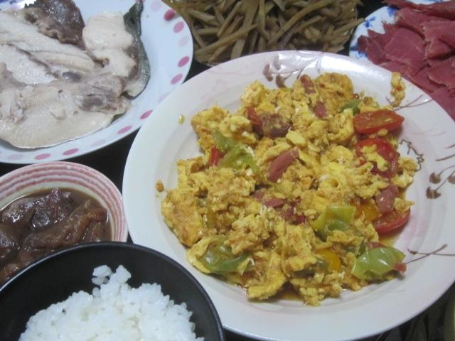 IMG 0033 - カンパチのアラ焼きと牛蒡のきんぴらにトマタマ炒め