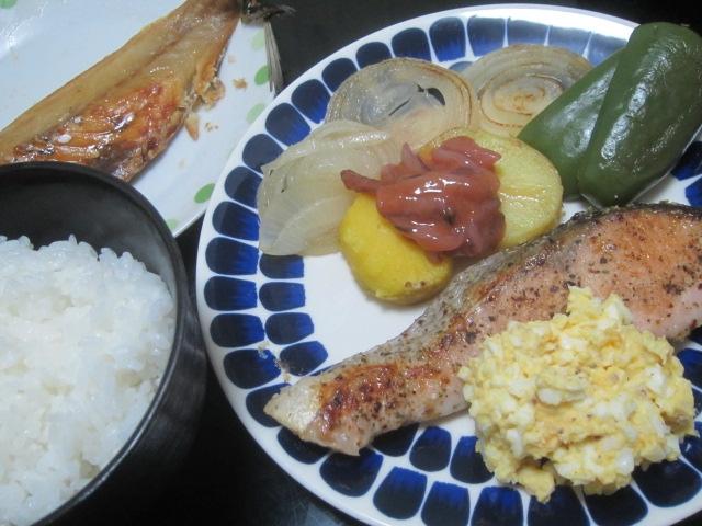 IMG 0048 - 紅丸とインカのめざめの食べ比べ / 主食はサーモンのむにえる
