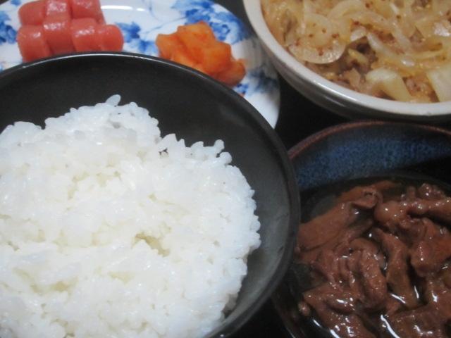 IMG 0060 - くじらの大和煮の缶詰とタマネギの粒マスタード炒め