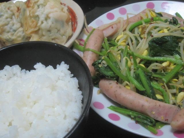 IMG 0041 - 餃子の残りと豆もやしほうれん草炒めINレモンパセリソーセージ