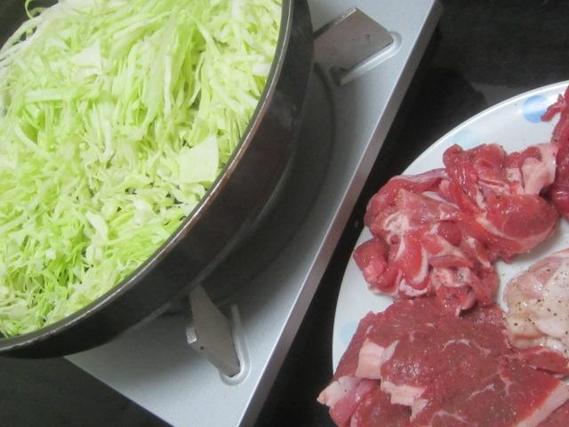 IMG 0044 - たっぷりキャベツを敷き詰めて蒸し焼き焼肉