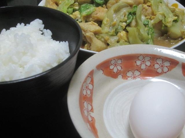 IMG 0066 - 卵かけご飯をメインにレタスと鶏皮の炒め物を副菜に