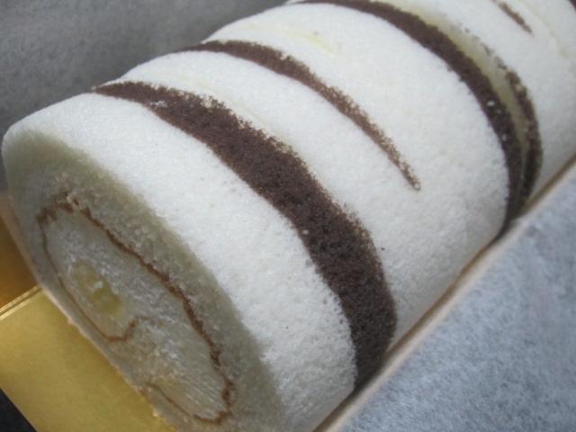 IMG 0020 - 柳月の樺の木なるロールケーキ食べてみました