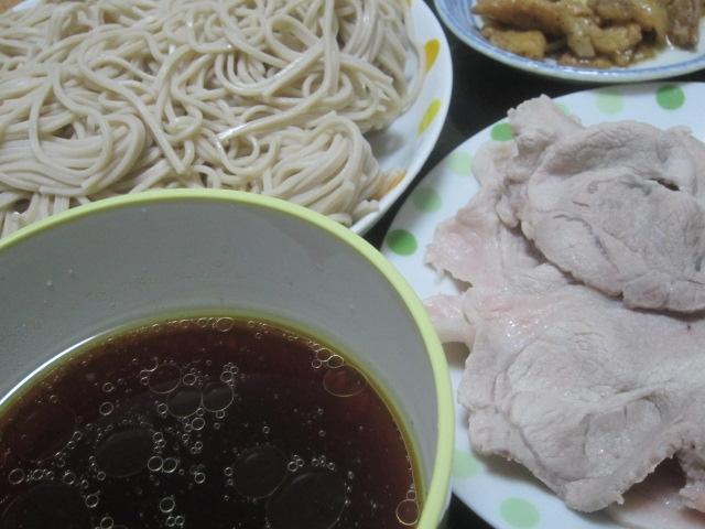IMG 0036 - 鶏皮を甘辛炒めして出た汁を使った蕎麦つゆと豚しゃぶご飯