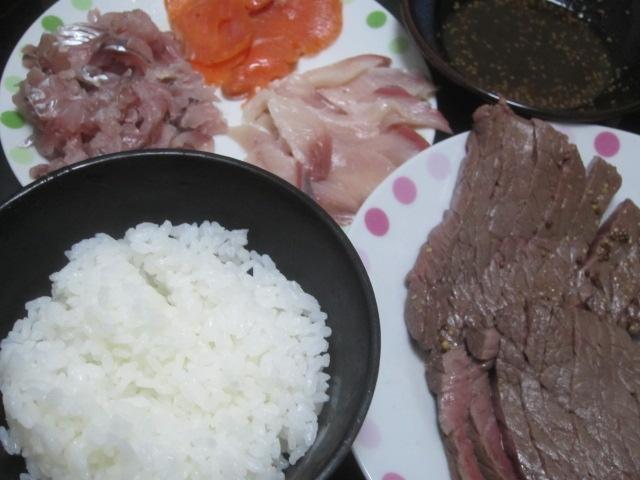 IMG 0003 1 - 最上等品5等級な飛騨牛のモモステーキ肉とブリアジサーモン