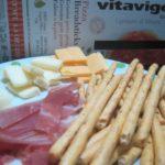 IMG 0040 150x150 - ピザと生ハムとチーズとグリッシーニの酒盛りご飯