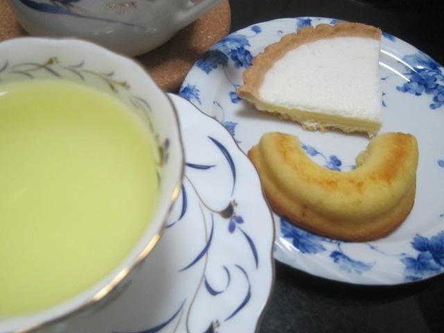 IMG 0059 1 - 北海道産生乳からつくられた牛乳使用のCOWドーナツ