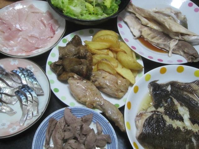 IMG 0075 - カレイの塩焼きとブリのアラからとった刺身としめ鯖と