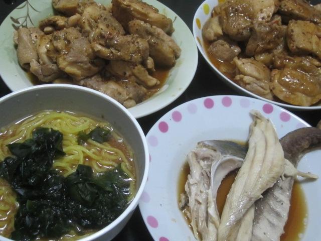 IMG 0082 - 鶏モモ肉2kgの照り焼きとワカメラーメンとブリアラの残り
