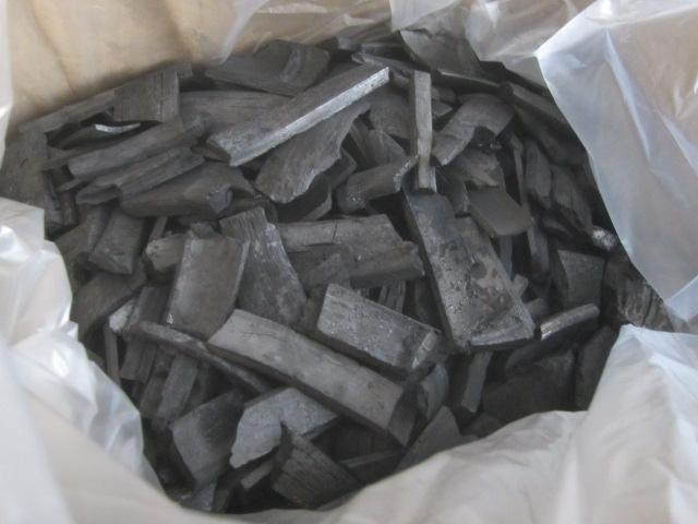IMG 0114 - 南九州産な竹炭をお部屋の空気浄化用に2kgほど買ってみた